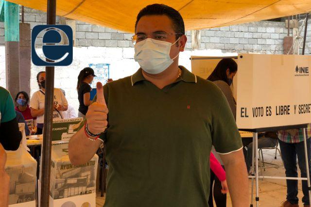 Exhorta Julio César Hernández a emitir su voto