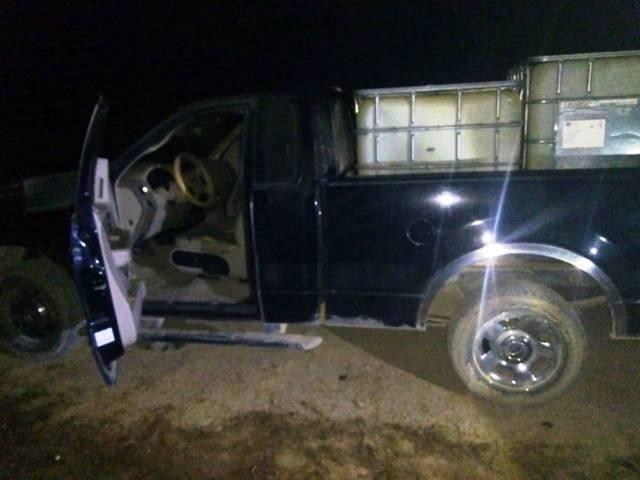 Policía Estatal asegura 4 unidades abandonadas y bidones en Nanacamilpa