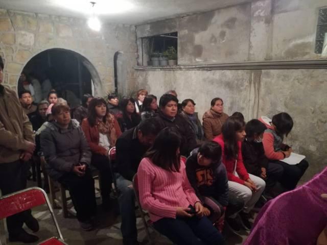 Se reúne Garrido Cruz con pobladores de San Lucas Cuahtelulpan