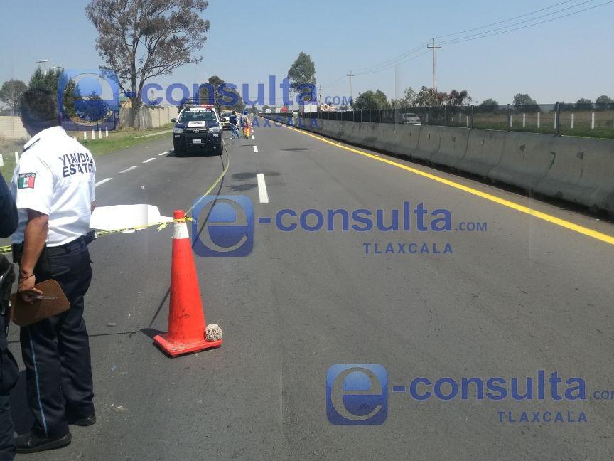 Embiste vehículo y mata a persona en Xaltocan