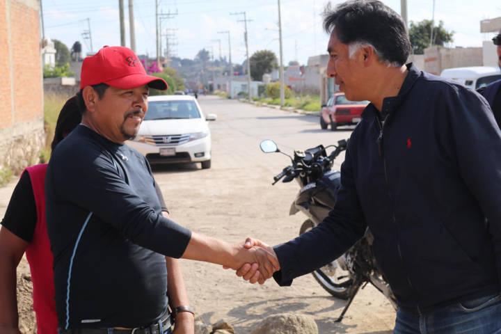 Continúa alcalde Papalotla entregando obras de infraestructura en El Carmen