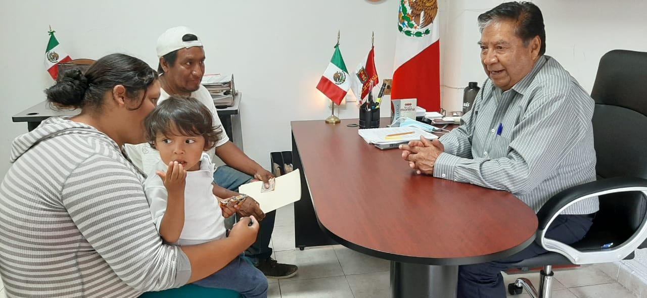 Llama Joel Molina a reconocer el aporte de las mujeres al avance de Tlaxcala