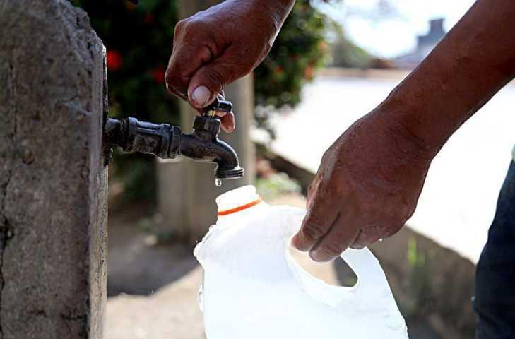 Pese a contingencia, denuncian falta de agua en Tzompantepec