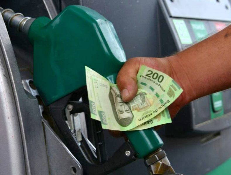Piden a AMLO ser mas cauteloso con gasolineros