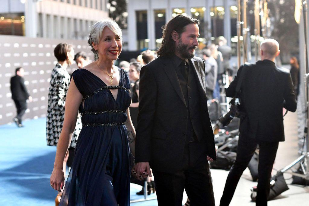 Reaccionan Internautas ante nueva novia de Keanu Reeves