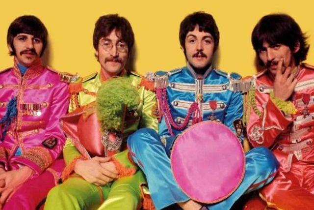 Ganan demanda los Beatles por la reproducción de artículos oficiales y obtener ganancias