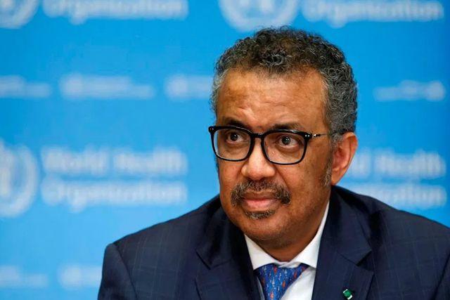 Llaman racista al director de la OMS por negarse probar una nueva vacuna de África