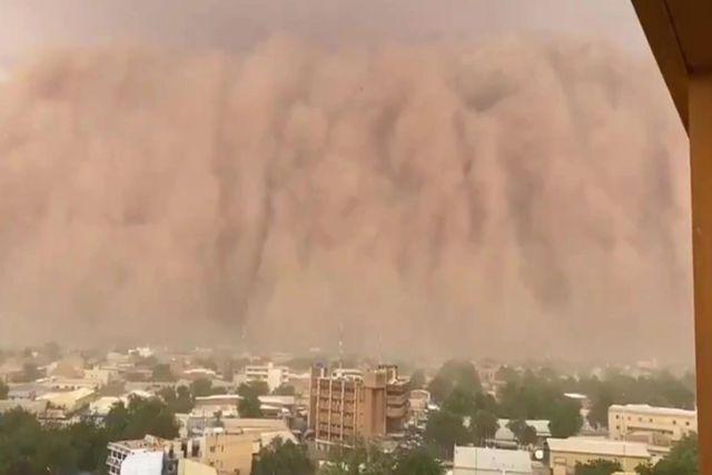 Impresionante tormenta de arena cubrió la capital de Niger