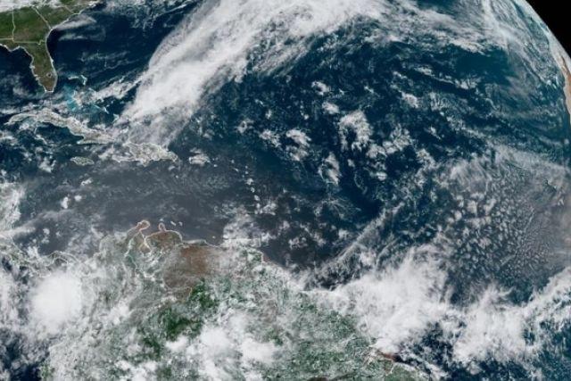 Se presenta la primera tormenta en el Atlántico por el sistema  de baja presión