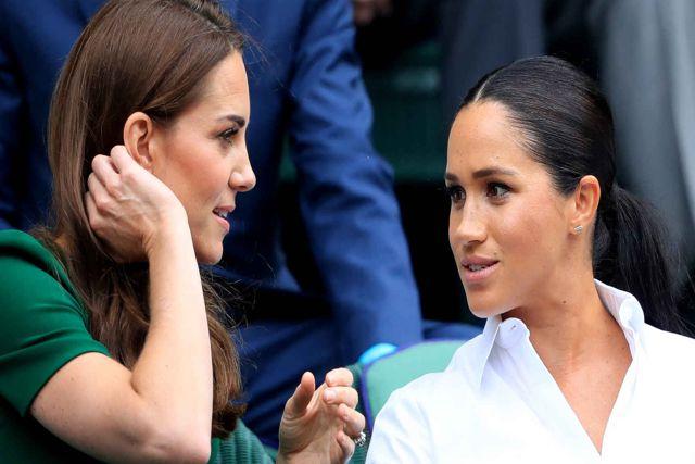 Esposas de los príncipes de Inglaterra se pelean por unas medias