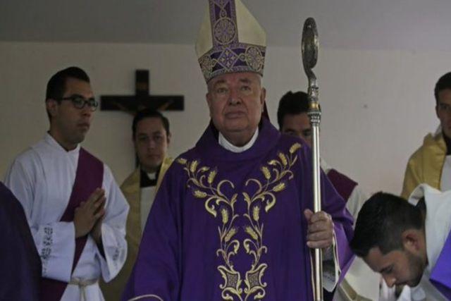 Guadalajara: Cardenal asegura que el Covid se cura con té de guayaba