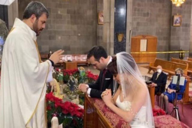 CDMX: Sheinbaum pide explicación a funcionaria que celebró  su boda en semáforo rojo
