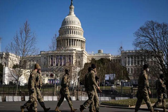 Arrestan a hombre sumamente armado cerca del Capitolio