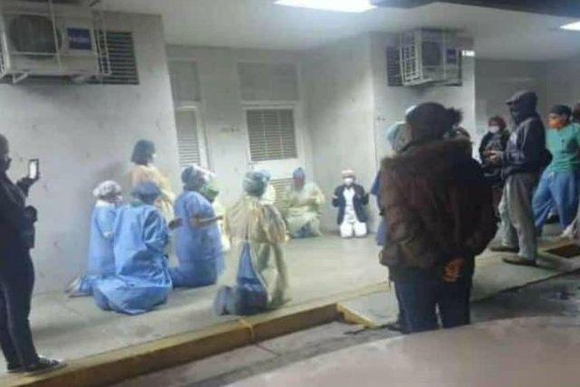 Personal de salud de Venezuela reza por saturación de hospitales Covid