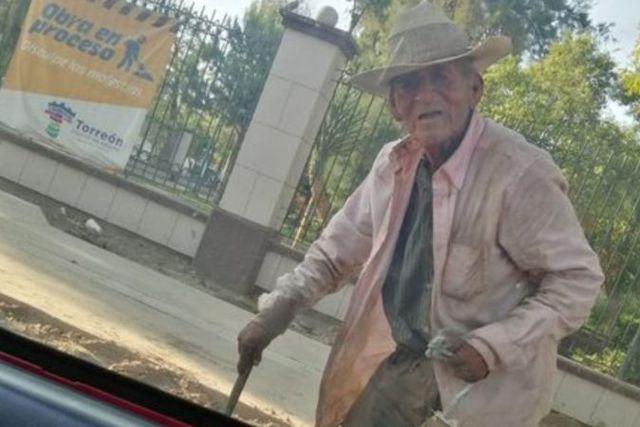 Vagabundo de 108 años de edad es adoptado por una familia de Torreón