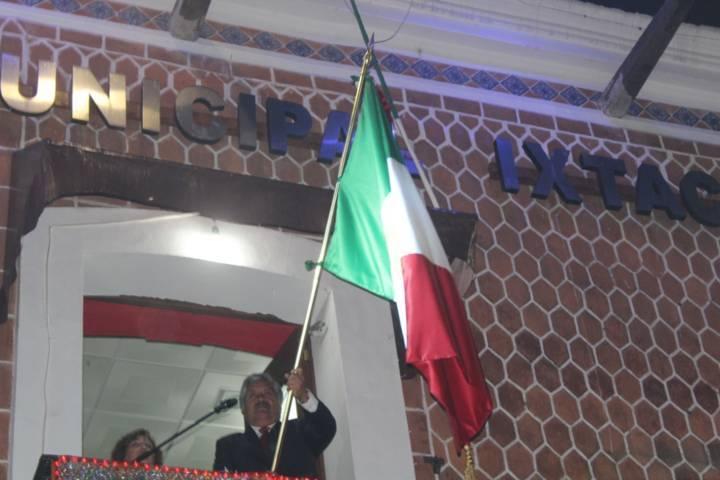 """Rafael Zambrano vitoreo a los Héroes en su CCVIII Aniversario del """"Grito de Independencia"""""""