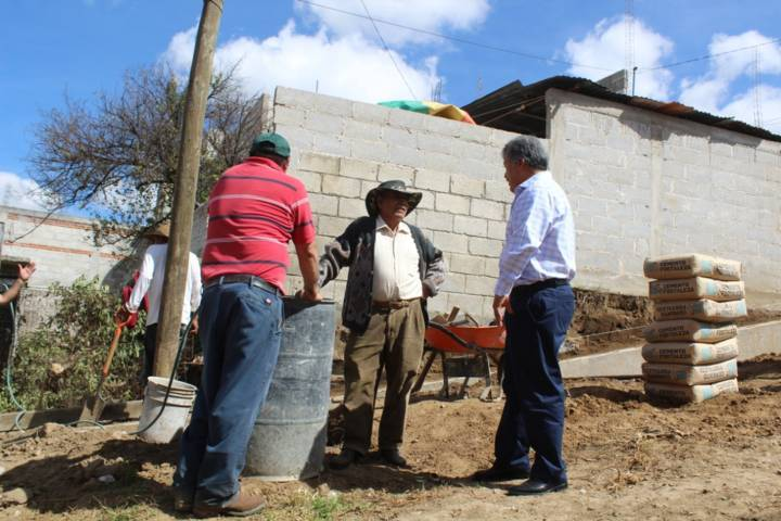 Alcalde realiza obras de servicio básico y mejoramiento urbano en 5 comunidades