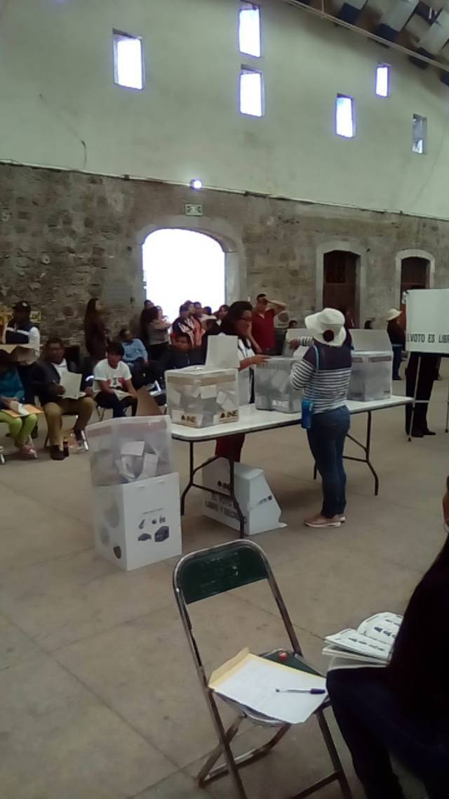 Transcurre en paz la jornada electoral en Ixtenco: Giovanni Aguilar