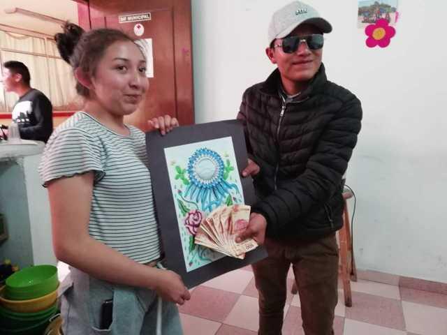 """Presidente del DIF de Quilehtla premia a ganadores del concurso """"Dibujo de Carnaval"""""""