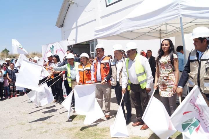Pone en marcha Atlzayanca obra con la instalación de la empresa Arcomex