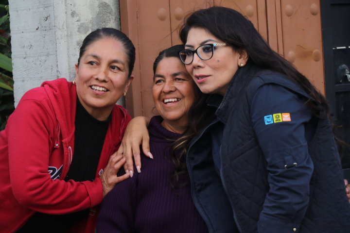 Deseo traer beneficios a Tlaxcala, Alejandra Ramírez en Teolocholco