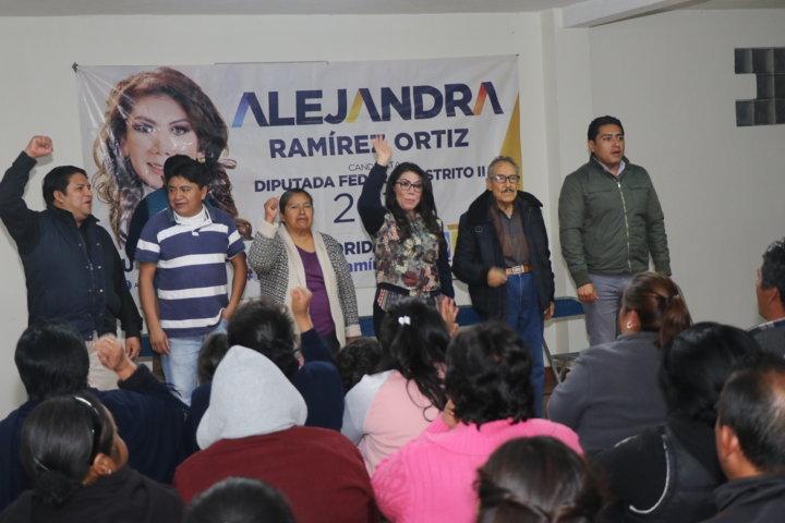 Solicita San Isidro Buensuceso a Alejandra Ramírez su apoyo en educación