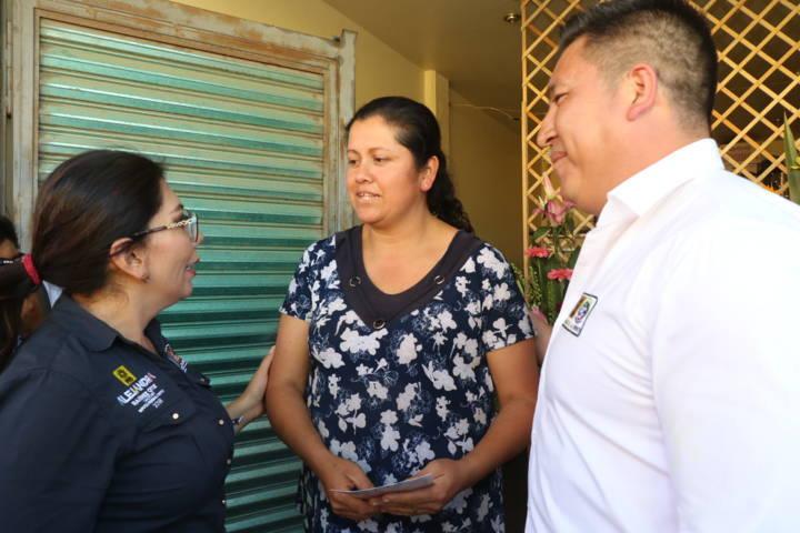 Reconocen en San Buenaventura, Atempan, la trayectoria política de Alejandra Ramírez