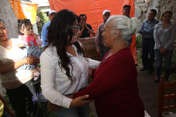 Ofrecen vecinos de Acuamanala respaldo total a Alejandra Ramírez