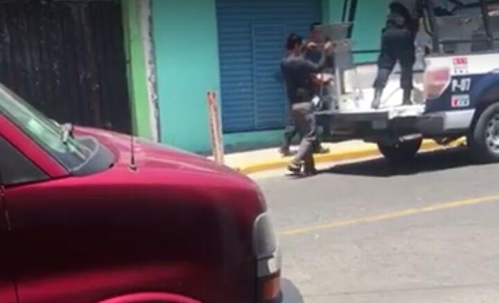 Denuncian a policias abusivos en Ixtenco