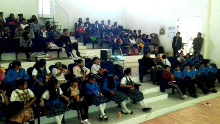 Alumnos de Tetlanohcan disfrutaron de cine internacional