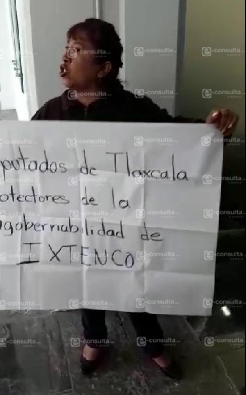 Inconformes por el caso Ixtenco se manifiestan en el Congreso