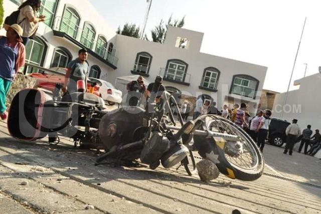 Manifestantes en la alcaldía de Totolac afectan a la ciudadanía