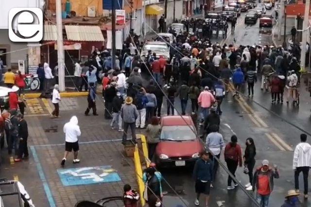 Revive conflicto de Xicohtzinco; pobladores nuevamente cierran la carretera