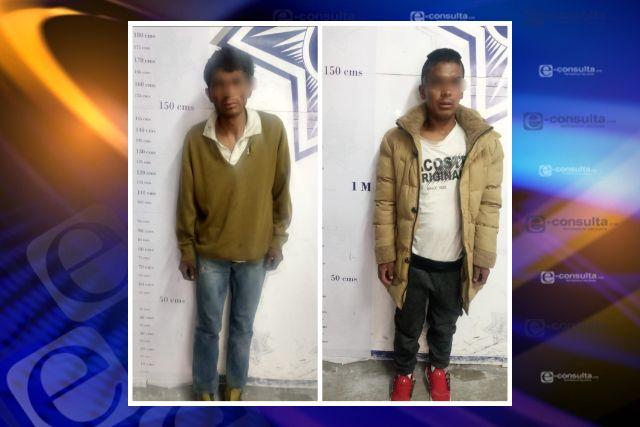 Detienen a dos hombres por robar un acumulador en Apizaco, afectado no procedió