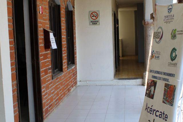 En Tepetitla, sólo el 25 % del total de comercios registrados han  realizado el trámite de refrendo