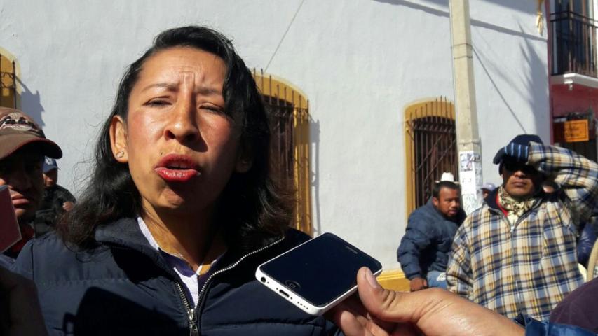 Ordena TET restitución de Síndico de Ixtenco, Lucía Rojas