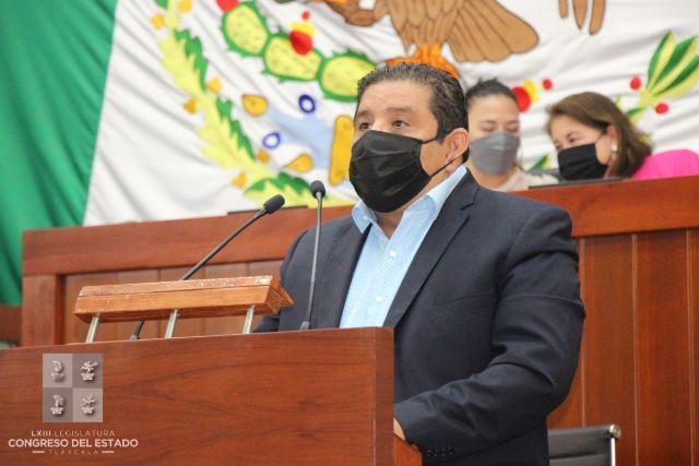 Víctor Castro celebra declaratoria de las cabalgatas como patrimonio cultural