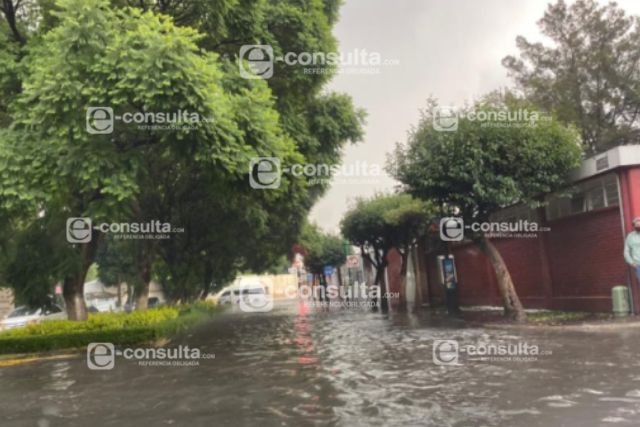 Colapsan drenajes en el centro de Tlaxcala
