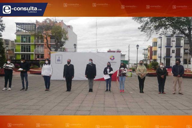 Edil de Zacatelco Tomás Orea entrega el premio municipal del deporte 2020