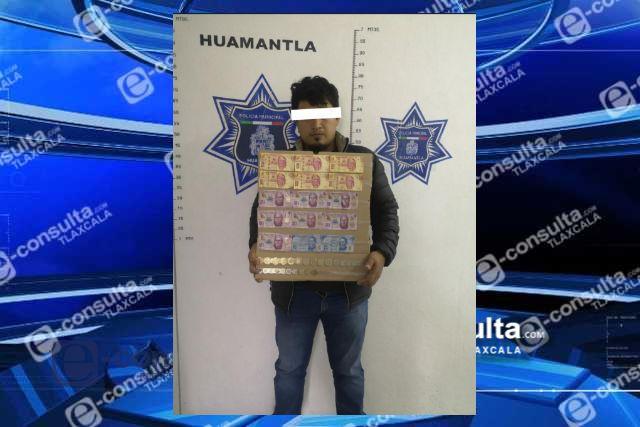 Asegura policía municipal de Huamantla a presunto asaltante de tiendas OXXO en flagrancia