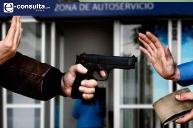 Asaltan a cuentahabiente en Tetla, le quitan 12 mil pesos