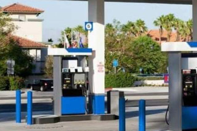 Pobladores piden a la UIF investigue una gasolinera, al parecer es de políticos