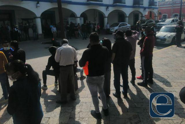 Priistas inconformes con el resultado de las elecciones toman la presidencia de SPM