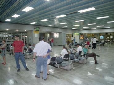 Costa Rica decomisa 310 mil dólares a turista mexicana