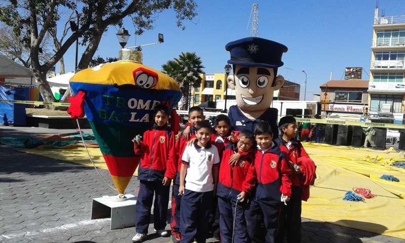 Policía Federal participa en la Feria de Santa Inés Zacatelco