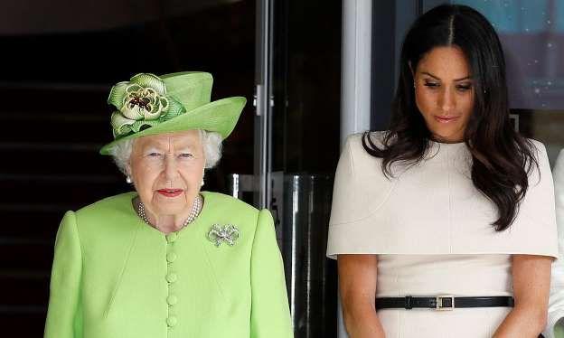 Meghan Markle es humillada por la Reina Isabel II al negarse posar con ella