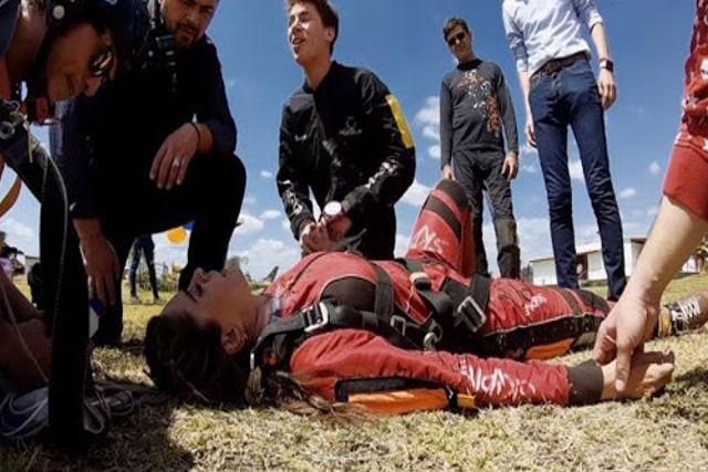 Galilea Montijo pierde el conocimiento al arrojarse de un paracaídas