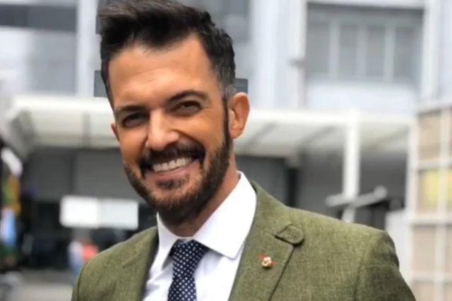 Reaparece Fernando del Solar tras días de estar hospitalizado