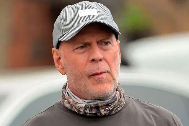 Bruce Willis fue echado de una tienda por negarse a usar cubrebocas