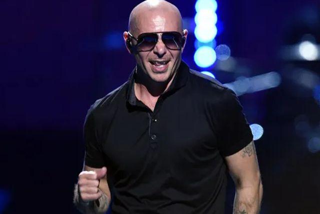 El cantante Pitbull manda fuerte mensaje contra la dictadura cubana